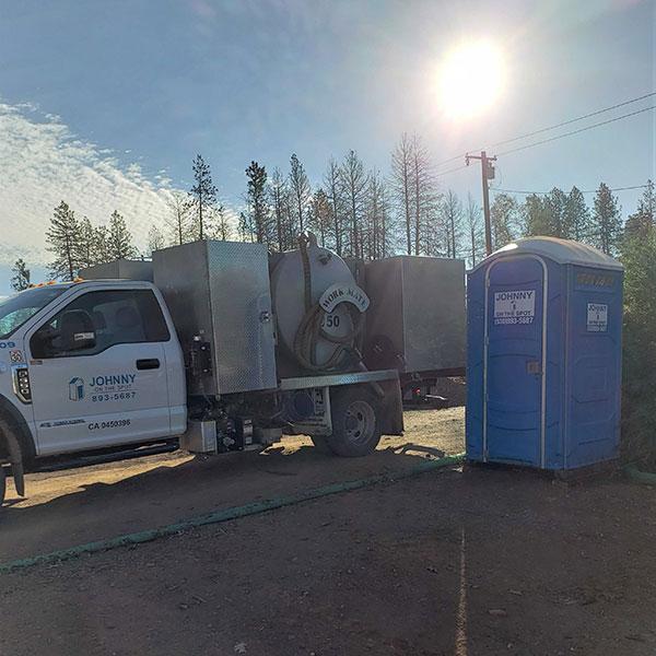 truck servicing a unit